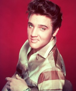 Figura 1. Elvis Presley, 1957, RockandRollPhotoGallery